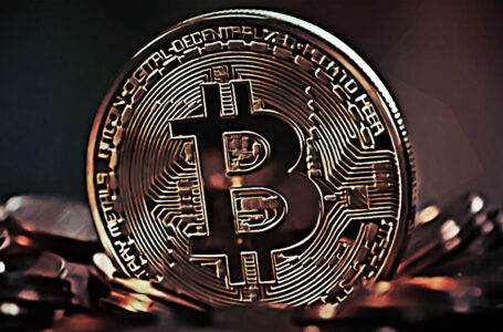 Hackers Scam Facebook Users with Fake Bitcoin Platform
